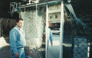 glass held by Klingahield safety film