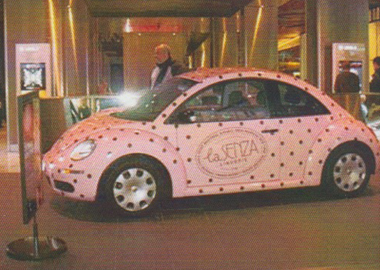 pink-colour-design-car-wrap