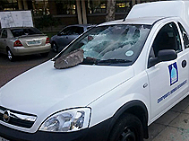 Brick-smashes-windscreen